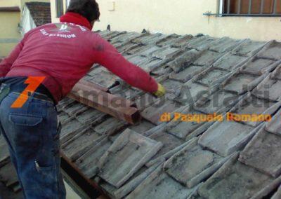 copertura-balcone-con-legno-lamellare-e-tegole-antiche-12