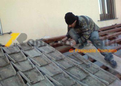 copertura-balcone-con-legno-lamellare-e-tegole-antiche-13