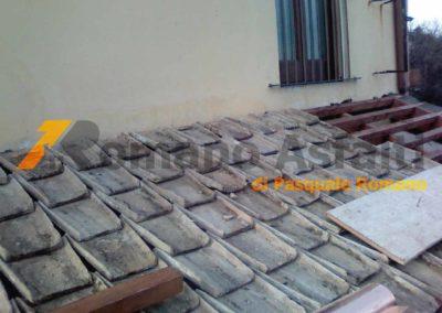 copertura-balcone-con-legno-lamellare-e-tegole-antiche-14
