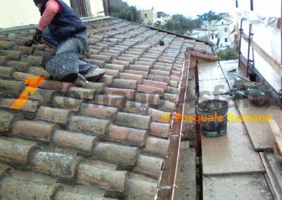 copertura-balcone-con-legno-lamellare-e-tegole-antiche-5