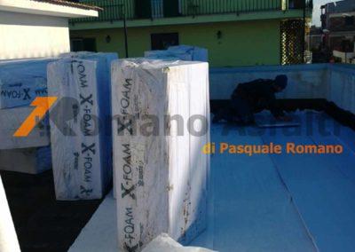 tetto-rovescio-tradizionale-misto-ghiaia-e-passerella-in-pavimento-galleggiante-1