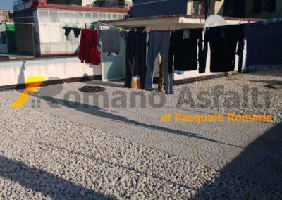 tetto-rovescio-tradizionale-misto-ghiaia-e-passerella-in-pavimento-galleggiante-13