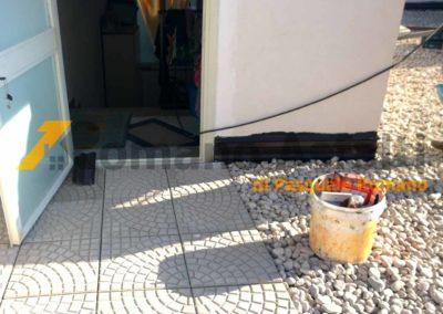 tetto-rovescio-tradizionale-misto-ghiaia-e-passerella-in-pavimento-galleggiante-14